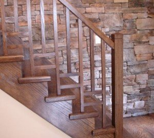 Дубовая лестница, морилка с лаком